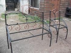 Меблі з елементами ковки